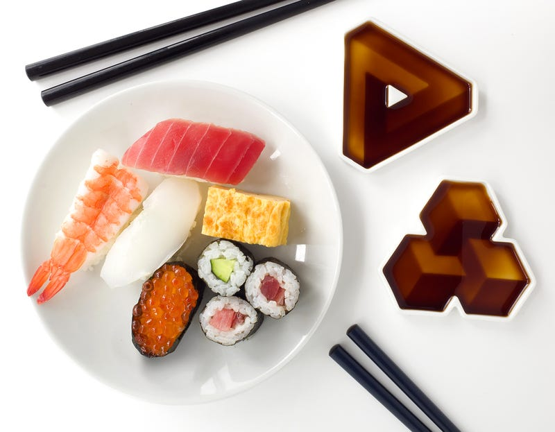 Optical Illusions Magically Appear When You Fill These Soy Sauce Dishes