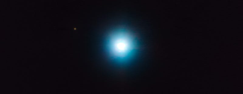 Incredible Photo Shows An Exoplanet in Orbit Around Its Host Star