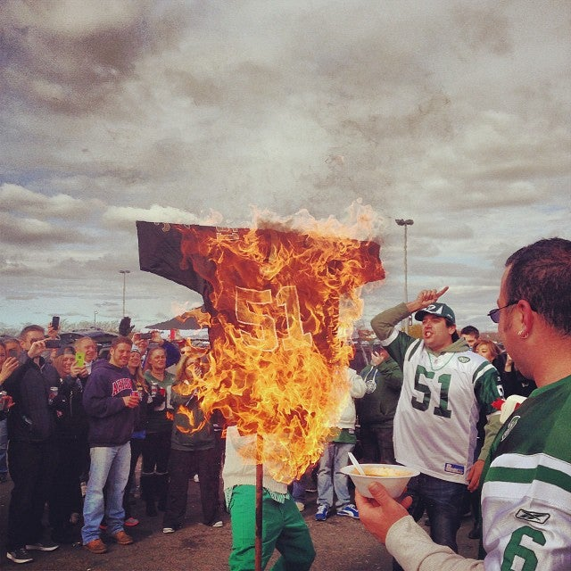 Jets Fans Burn Jonathan Vilma Jersey, For Some Reason