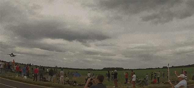 This Low Landing F-16 Has Spectators Diving For Cover