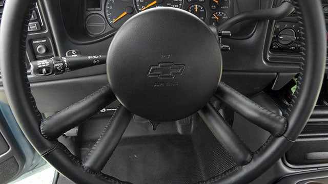 You Won't Miss a Turn With This Vibrating Steering Wheel