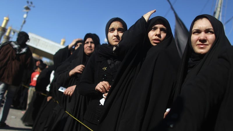 Extremists Debut New Rule for Iraqi Women: Don't Go Outside