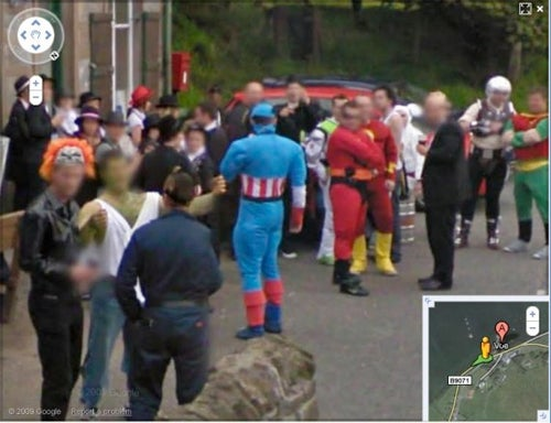 Street View Captures Superhero Pub Outing Off the Coast Of Scotland