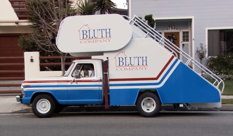 Arrested Development Shoots Out Wad Of 15 Shows On Netflix Same Day As Indy 500