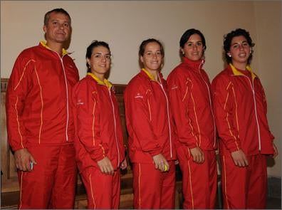 "Spanish Tennis Team Also Strikes ""Chinky-Eyed Chinaman"" Pose!"