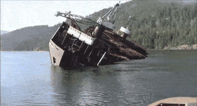 It looks like an accident, but this is how they unload timber in Canada