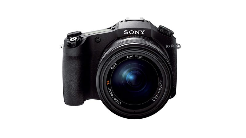 Sony RX10: A Loaded, Long-Zoom Camera With a Killer Sensor