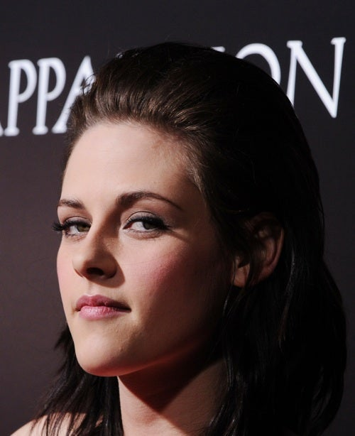 Please Stop Giving Kristen Stewart Sh*t About Smiling On The Red Carpet