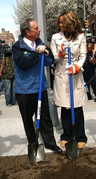 Mayor Bloomberg & Tyra Shovel, Shoot Shit