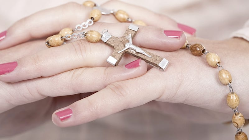 British Women Allege Un-Christian Discrimination for Wearing Crosses