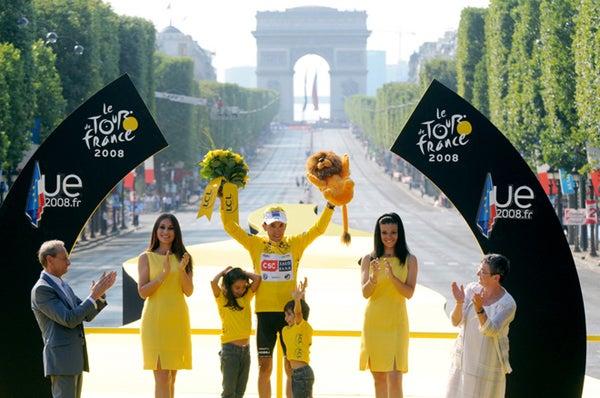 Sastre Wins the Tour Pending a Few Dozen Piss Tests