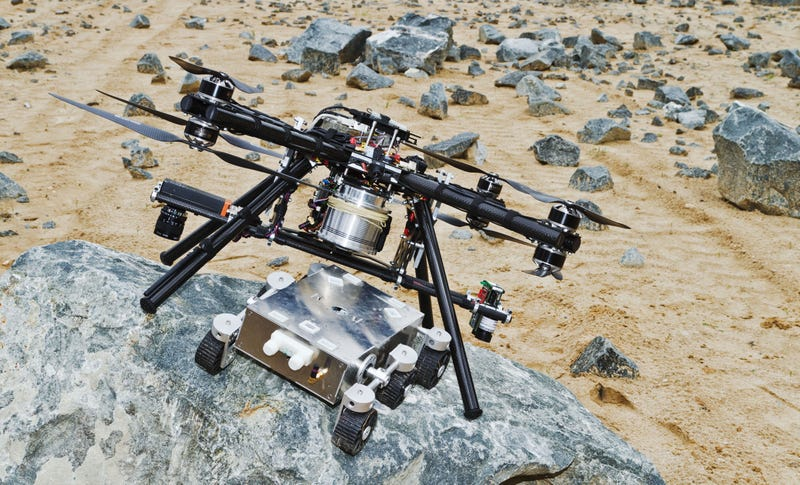 Watch Engineers Test Their New Martian Dropship