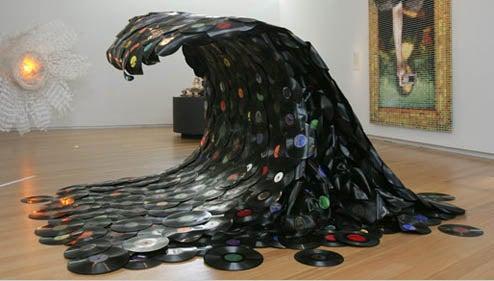 Sound Wave: The Vinyl Strikes Back