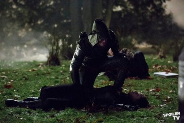 Arrow episode 1.08 promo photos