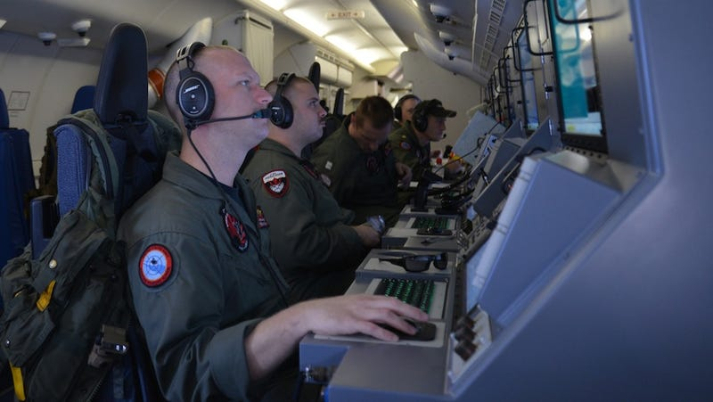 US Navy Ship Drops Out of Search for Missing Aircraft MH370