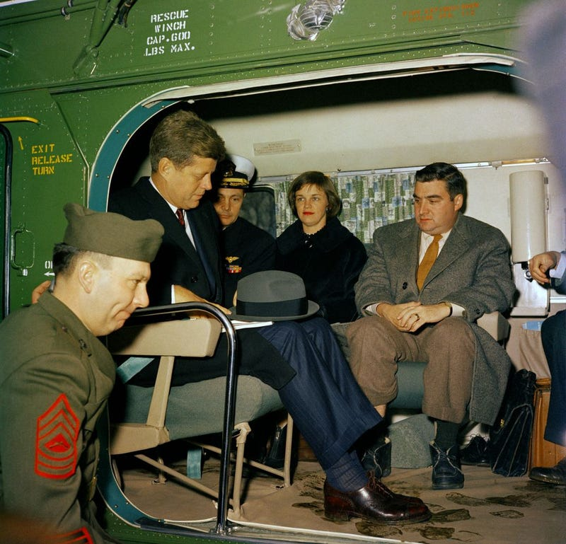 President Eisenhower introduced helicopter airlift to the White House ...