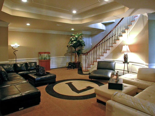 Michael Vick's Mansion Comes Furnished