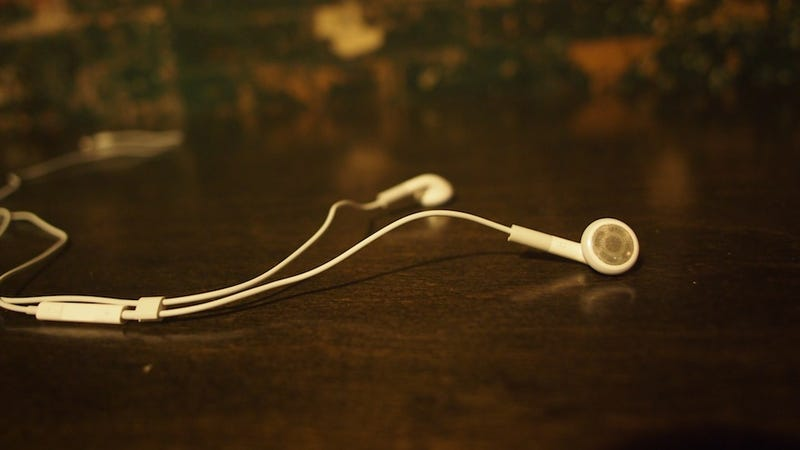 iPhone 4S Test Notes: Apple Earbuds