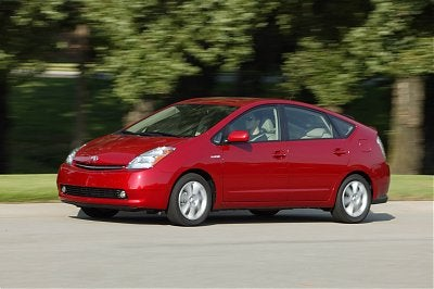 EPA Who? Some Toyota Dealers Sticking With Outdated Prius Mileage Figures