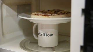 ​The Secret to Microwaving Day-Old Pizza So It Still Tastes Fresh