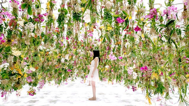 A Hanging Garden That Floats Through Space to Meet Your Nose
