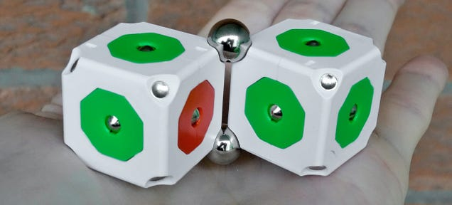 MOSS Robotics Toy Review: The Easiest Way To Build Your First Robot