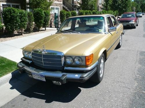 Mercedes-Benz W116 Down On The Denver Street