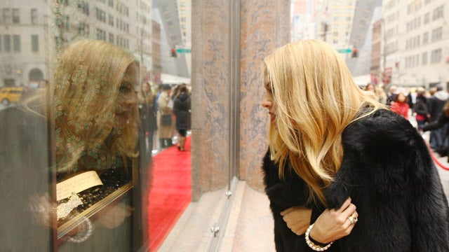 Rachel Zoe Is Transfixed By Her Own Reflection