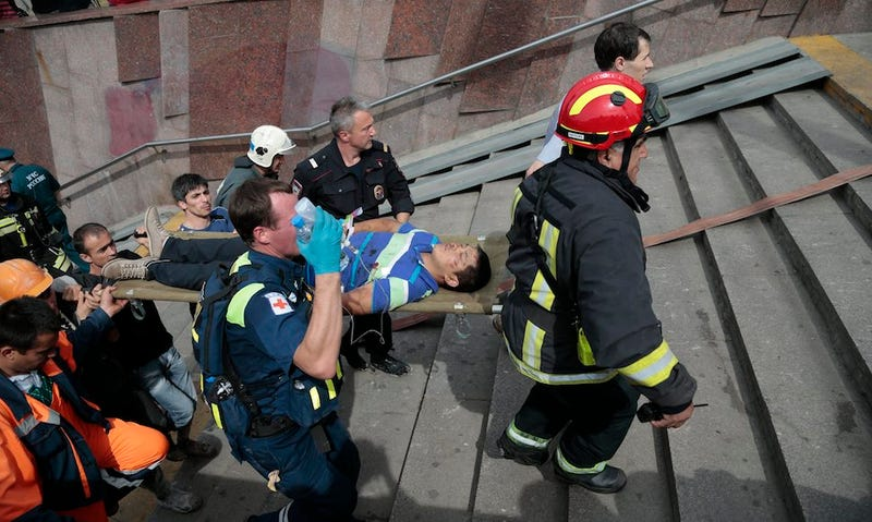 Power Surge Derails Rush-Hour Train in Deepest Moscow Subway: 19 Dead