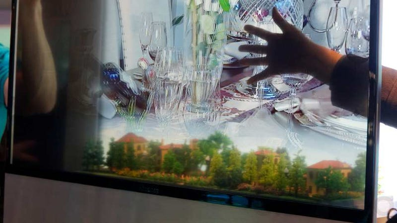 Hisense Transparent 3D: An Incredible Spectacle Even if it's Pointless