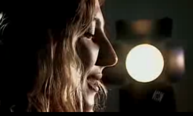 Qantas Flights Show Film About Female Orgasm