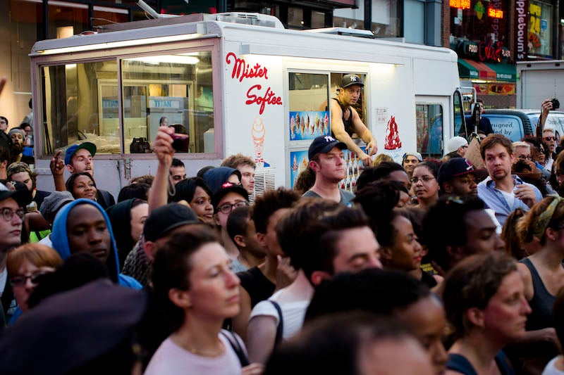 New York City's Ice Cream Men Are Waging All-Out Turf War for Midtown Manhattan