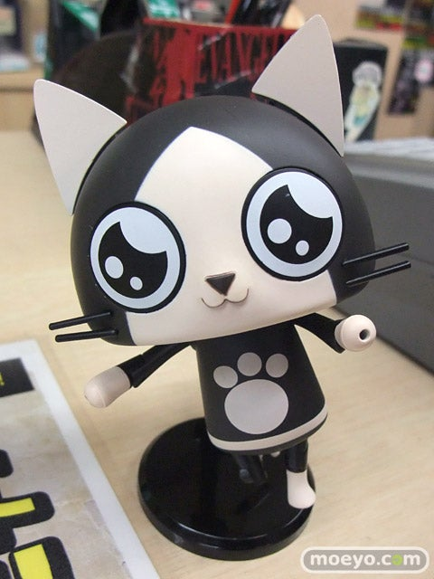 Adorable Monster Hunter Cats You Can Pose