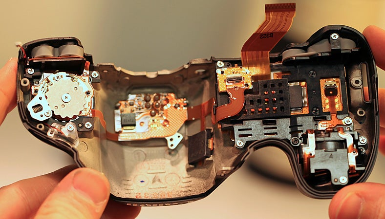 Canon 5D Mark III Partial Teardown: Don't Try This At Home