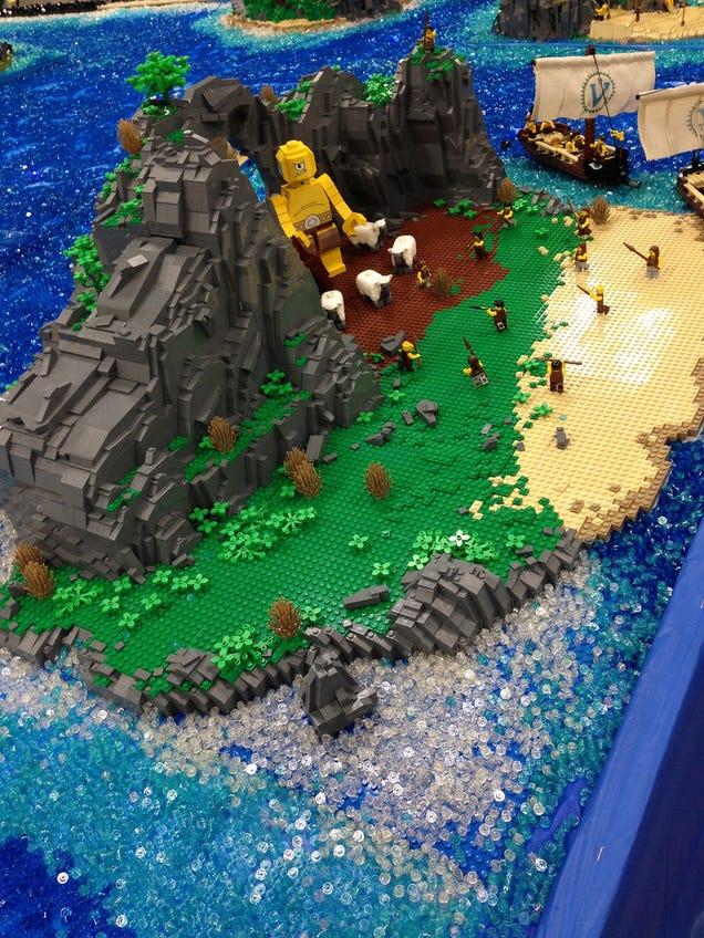 La scène de la rencontre avec le Cyclope Polyphème en LEGO.