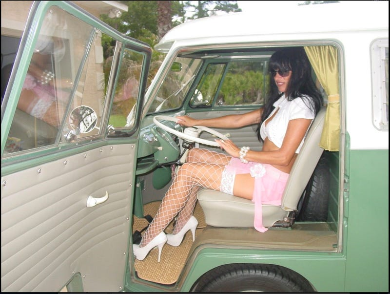 """Now THIS is how you sell a VW Bus!"""