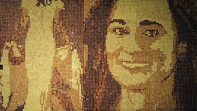 A Likeness Of Pippa Middleton's Backside Made Entirely Out Of Crumpets
