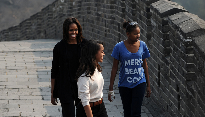 Chinese Authorities Prevent First Lady From Buying Obama-Mao Apparel