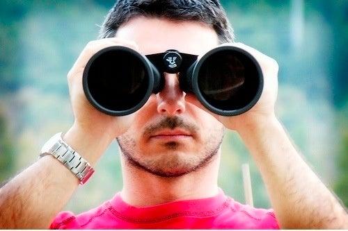 People Begging Google to Be Their Stalker