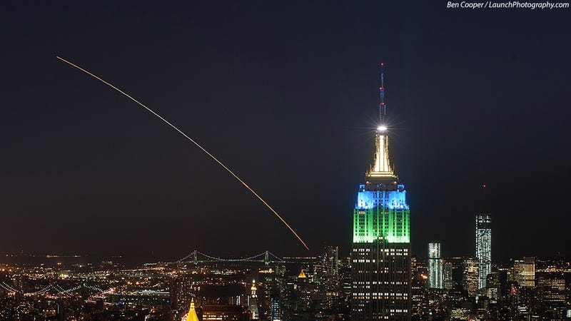A Badass Rocket Launch Is the Perfect Addition to Any Skyline