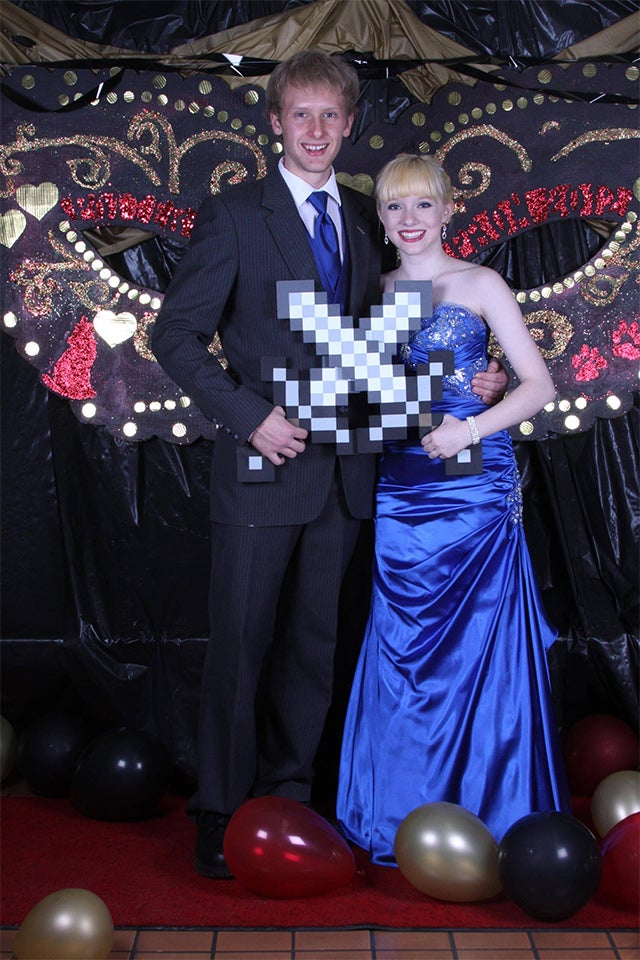 Prom Couple Ditch Corsage For Minecraft Swords