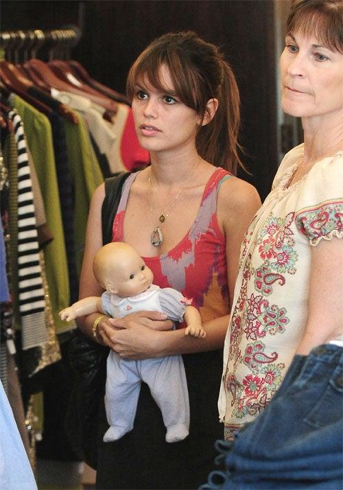 Jessica & Tony Tool Around • Rachel Bilson Cradles Fake Baby
