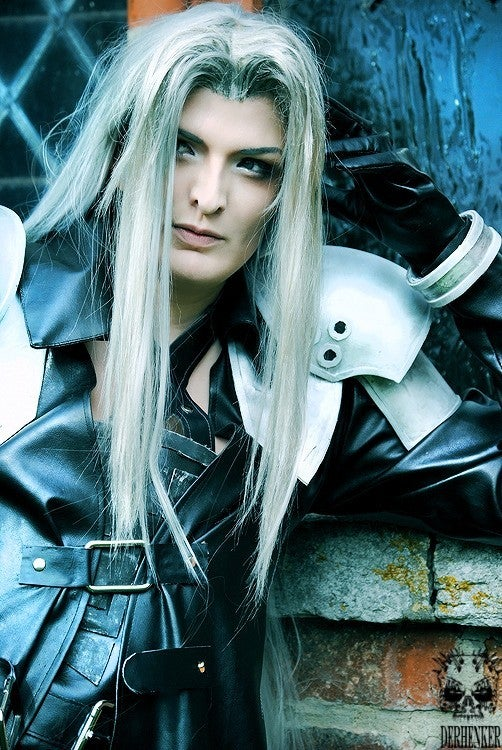 On Your Knees, I Want You To Beg for this Sephiroth Cosplay
