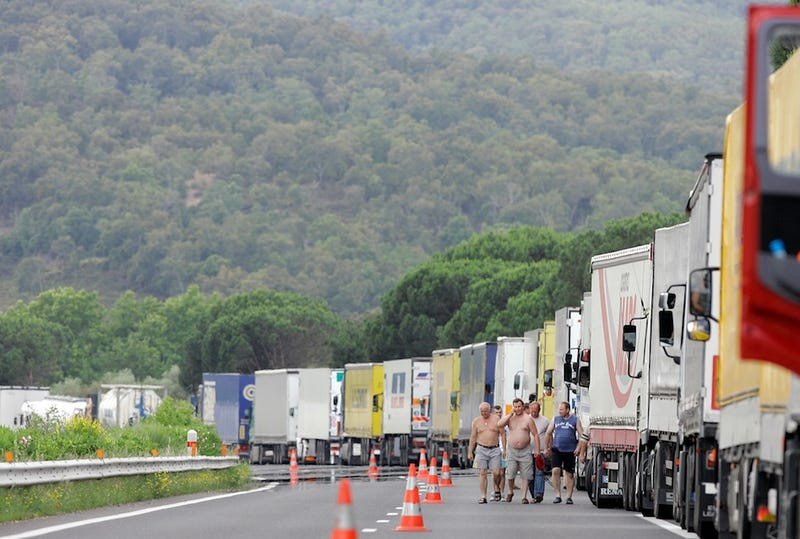 Trucker Plans to Arrest Lawmakers in What Will Prove to Be a Bad Idea