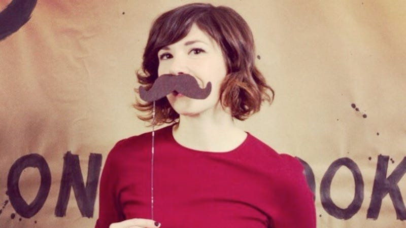 Carrie Brownstein Is Willing to Give a Hug to a Certain Car Owner