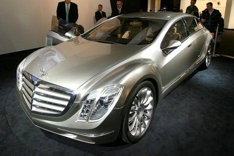 Frankfurt Auto Show: Mercedes F700 Future Touring Sushi Edition