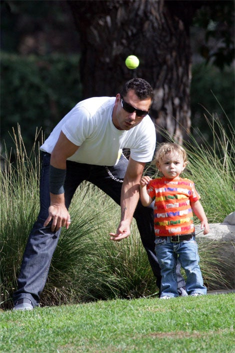 Kingston Rossdale Doesn't Keep His Eye On The Ball