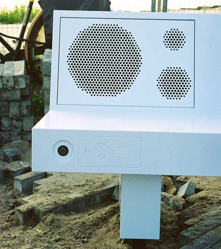 Park Bench-Sized Ghetto Blaster Plays Music Via Bluetooth