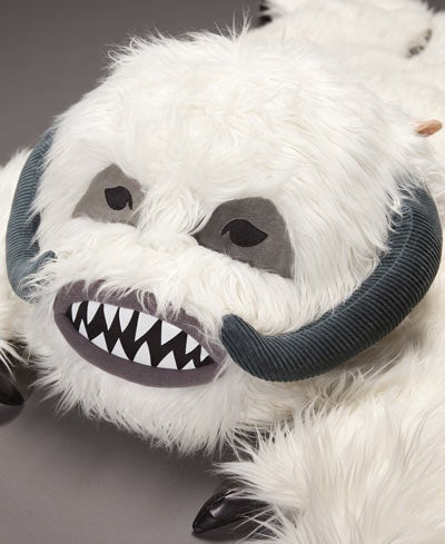 Furry Wampa Rug Is Essential for Making Hoth Love