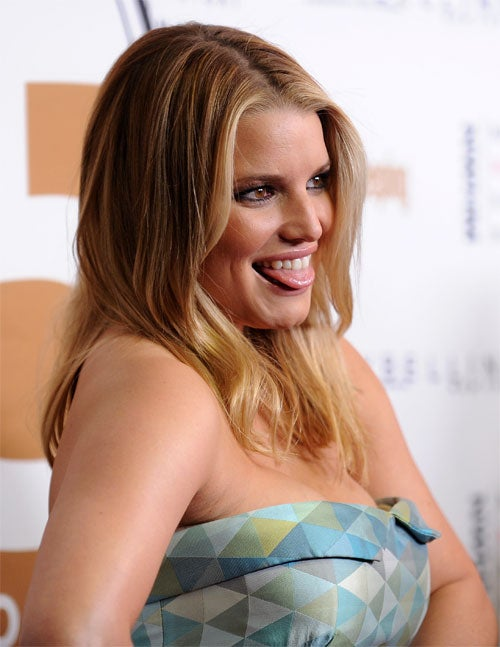 Jessica's Latest Hookup Was Publicity Stunt; Amy Adams Has Baby Girl